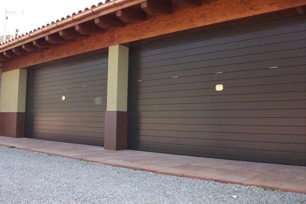 Portes Residencials les portes residencials de Portand Andorra estan destinades exclusivament als habitatges de particulars o comunitats de veïns. Combinen qualitat, seguretat, elegància i disseny, a més d'adaptar-se a tot tipus d'estils arquitectònics.