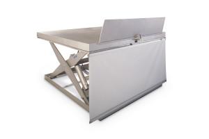 Les plataformes instal·lades al moll de càrrega disposen de davantals que poden ser accionats manualment o hidràulicament. També podem instal·lar una cortina per evitar l'entrada de fum i pols.
