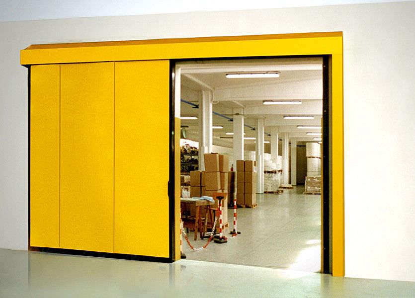 Les portes tallafocs eviten la propagació d'incendis i permeten una ràpida evacuació de l'edifici. Aplicables en centres comercials, hospitals, aeroports, museus,.