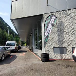 Portand.eu lider en portes industrials a Andorra treballa de fa molts anys amb Àngel Mir que va obrir mercats internacionals, fa molts anys convertint-se a mitjans dels 90, en líder europeu en portes industrials. Portand distribuïdor i manteniment de portes industrials i motors per a tota mena de portes és distribuïdor oficial d'Àngel Mir a Andorra on trobareu la millor qualitat en portes Industrials, portes per a comunitats i xalets industrials.